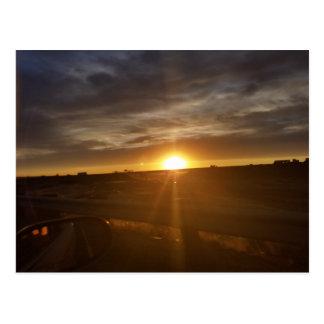 Sonnenuntergang-Antrieb Postkarte