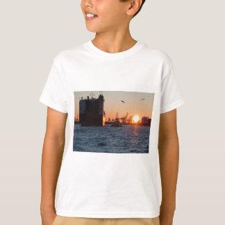 Sonnenuntergang-Hamburg-Hafen T-Shirt