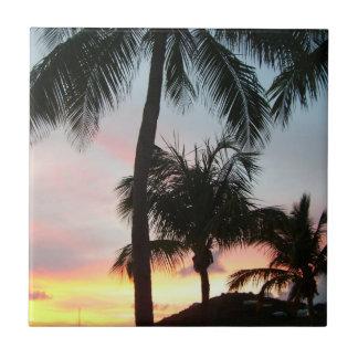 Sonnenuntergang-Palmen-tropische Fliese