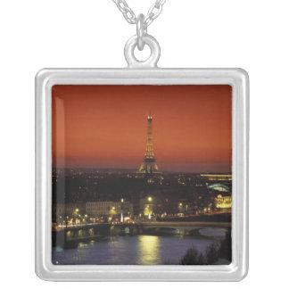 Sonnenuntergangansicht Frankreichs, Paris des Versilberte Kette