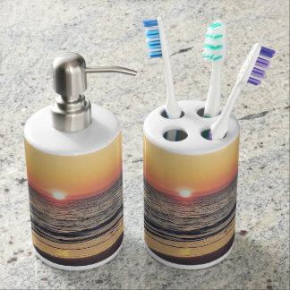 Sonnenuntergangstrand-Zahnbürstehalter und Badset