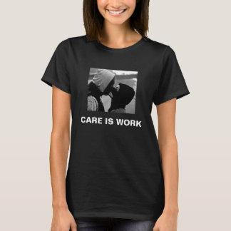 Sorgfalt ist Arbeits-Ski-Masken-T - Shirt