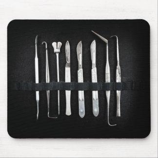 Sortierte Antiken-einbalsamierenwerkzeuge Mousepads