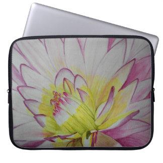 Soul-NahrungsmitteldahlieWatercolor Laptop Sleeve