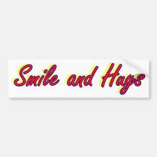 Sourire et étreintes autocollant de voiture