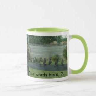 Spatzen-Vögel auf einer Schiene Ihre Wort-Tassen Tasse