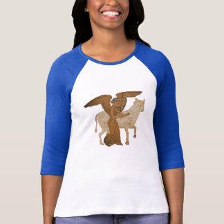 Spektrum - die griechische Göttin Nike mit einem T-Shirt