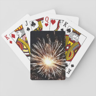 Spielkarten der Feuerwerke, die Licht sprengen