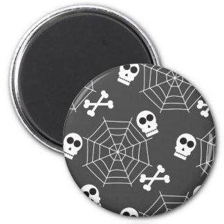 Spinnennetze, Schädel, gekreuzte Knochen kopieren Runder Magnet 5,1 Cm