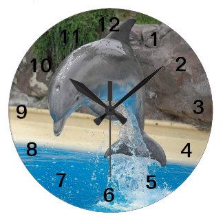 Springender Delphin Wanduhr