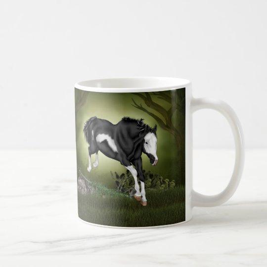 Springendes Schwarzweiss-Overo Farben-Pferd Tasse