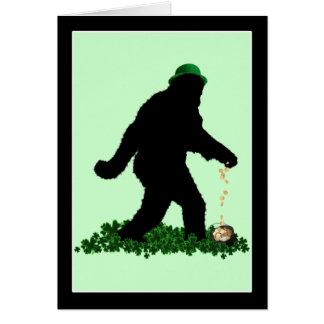 St Patrick Tag glückliches Sasquatch Grußkarte