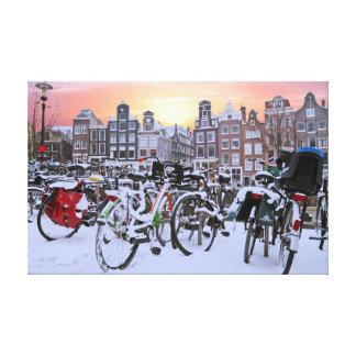 Stadt landschaftlich von schneebedecktem Amsterdam Leinwanddruck