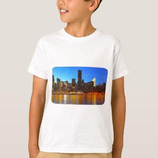 Stadt-Nachtkunst T-Shirt