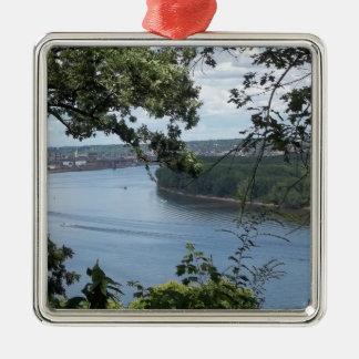Stadt von Dubuque, Iowa auf dem Fluss Mississipi Silbernes Ornament