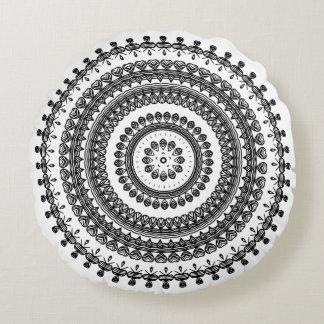 Stammes- Volksdekorativer Kreis-mit Blumenukrainer Rundes Kissen