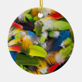 Stapel der bunten Federn Keramik Ornament