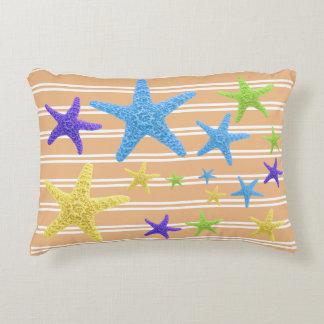 Starfish mit veränderbarer Hintergrund-Farbe Dekokissen