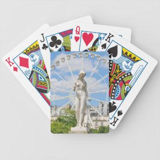 Statue, die Frau in Paris darstellt Bicycle Spielkarten