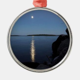 Steigender Mond über Whisky-Bucht, St- Josephinsel Silbernes Ornament