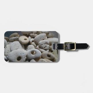 Steine mit Lochtaschenaufkleber mit Lederband Kofferanhänger
