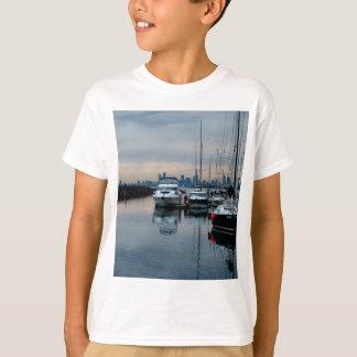 Stellen Sie sich an Brighton-Hafen vor T-Shirt