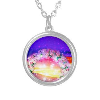 Sterne und Regenbogen der Blumen in der Feier Halskette Mit Rundem Anhänger