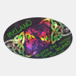 Sticker, Irland, keltischer Knoten, bunt Ovaler Aufkleber