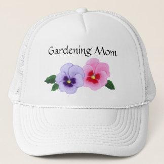 Stiefmütterchen-Blumenim garten arbeitenmamma Truckerkappe