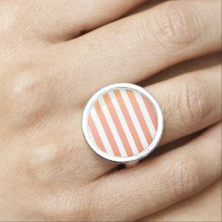Stilvoller magischer alt-gestreifter Vintager Foto Ring