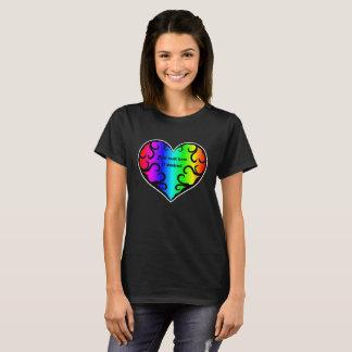 Stilvolles Regenbogenherz T-Shirt