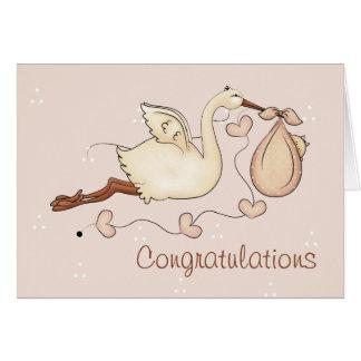 Storch, der neue Baby-Gruß-Karte trägt Karte