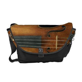Stradivari reproduzierte an kuriertaschen