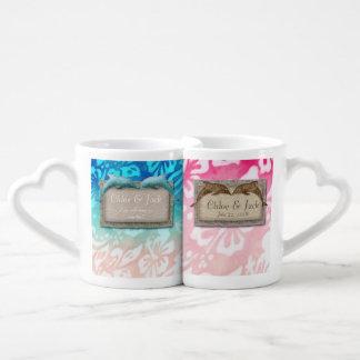Strand-Hochzeits-Delphin-Hibiskus-Blumen-Muster Liebestasse