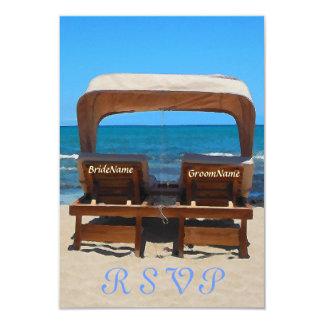 Strand-Hochzeits-Stühle im Sand 8,9 X 12,7 Cm Einladungskarte