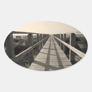 Strand-Weg im Sepia Ovaler Aufkleber