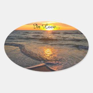Strandhochzeitsaufkleber Ovaler Aufkleber