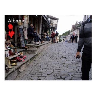Straße in Gjirokastër, Albanien Postkarte