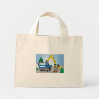 Straßenbaustelle mit blauem LKW und gelben Bagger Mini Stoffbeutel