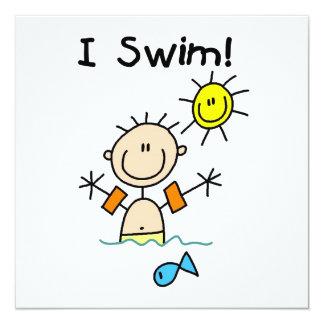 Strichmännchen-Junge, den ich schwimme Quadratische 13,3 Cm Einladungskarte