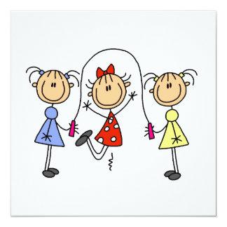 Strichmännchen-Mädchen-springendes Seil Quadratische 13,3 Cm Einladungskarte