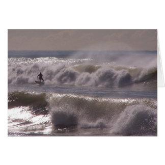 Sturm bewegt Surfer-Karte wellenartig Karte