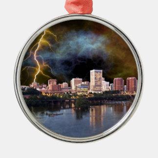 Stürmische Richmond-Skyline Rundes Silberfarbenes Ornament