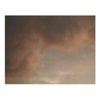 Stürmischer Sonnenuntergang bewölkt Postkarte