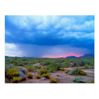 Stürmisches Wetter-Wanderung Postkarte