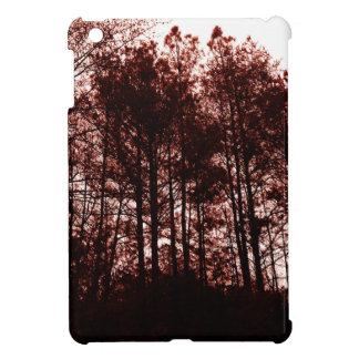 Surrealer hochroter Wald iPad Mini Hülle