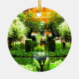 Surrealer Renaissance-Garten Rundes Keramik Ornament