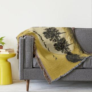 'Surreales Landscape_Gold-Blanket_Black Decke