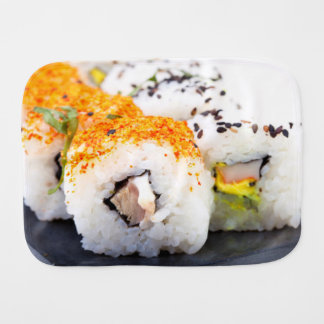 Sushi auf einer Platte Baby Spucktuch
