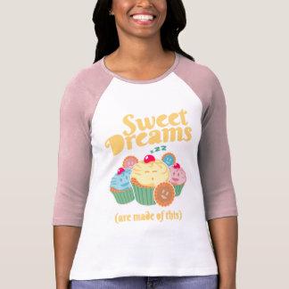 Süße Träume werden… von den kleinen Kuchen und von T-Shirt